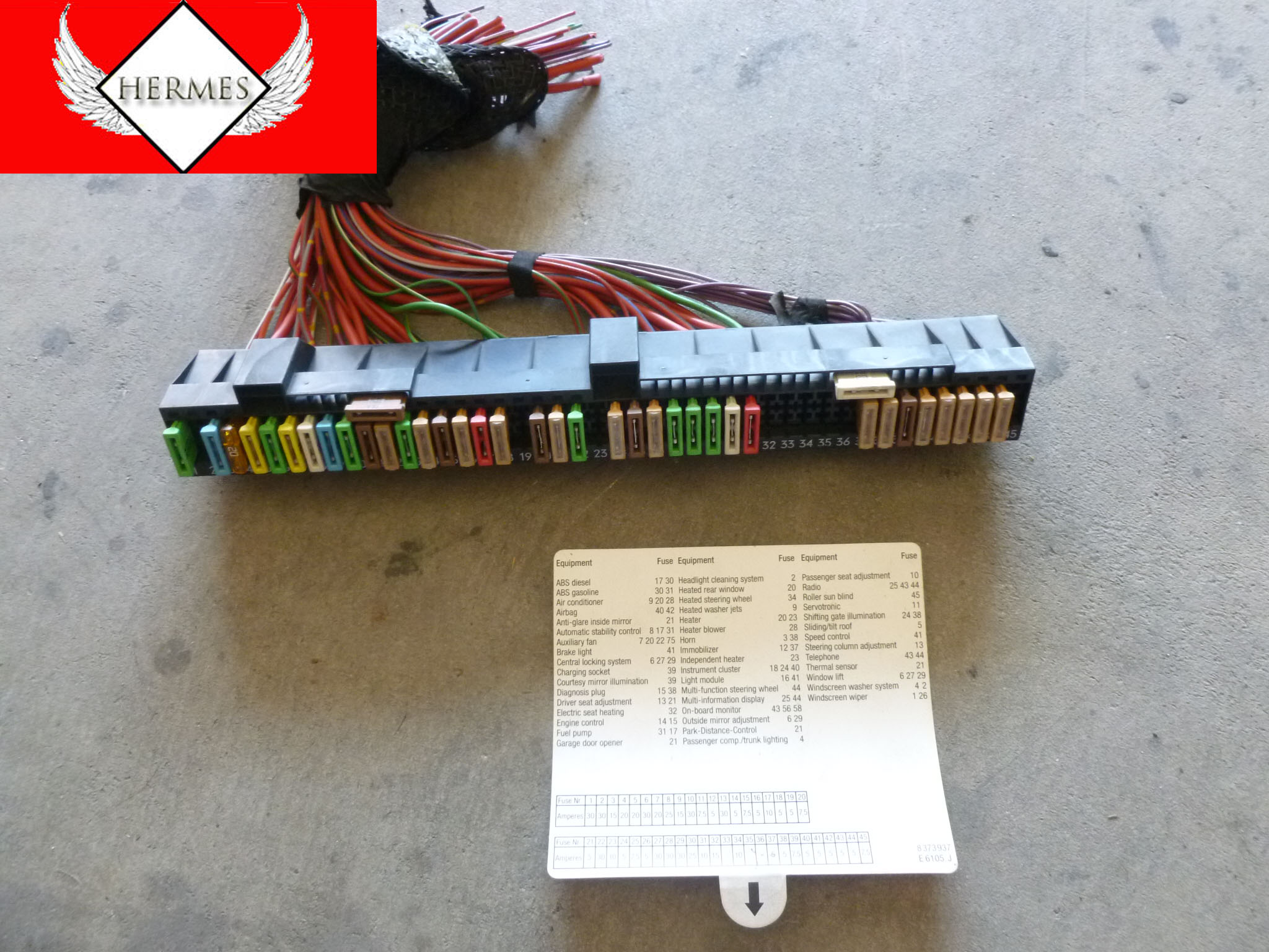 1997 bmw 528i e39 fuse box above glove box 61138366570 hermes rh hermesautoparts com 1997 bmw m3 fuse box 1997 bmw 540i fuse box location