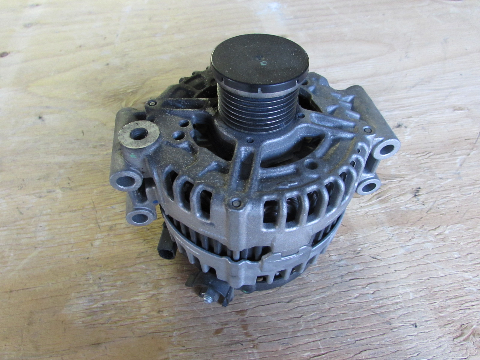 Bmw Alternator Bosch 180 Amp 12317558220 E90 E92 E93 335i 335xi 335is E82 135i E60 535i Hermes Auto Parts