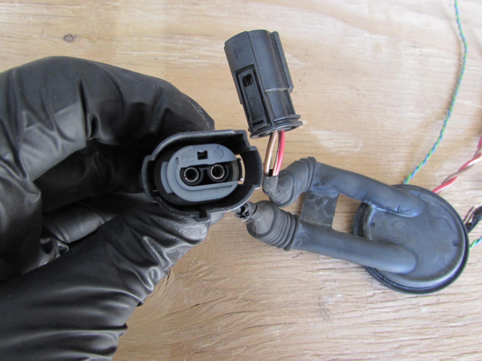 Bmw Fuel Pump Connectors 61138352382 E90 323i 325i 328i 330i 335i Coupe E82 128i 135i E84 X12