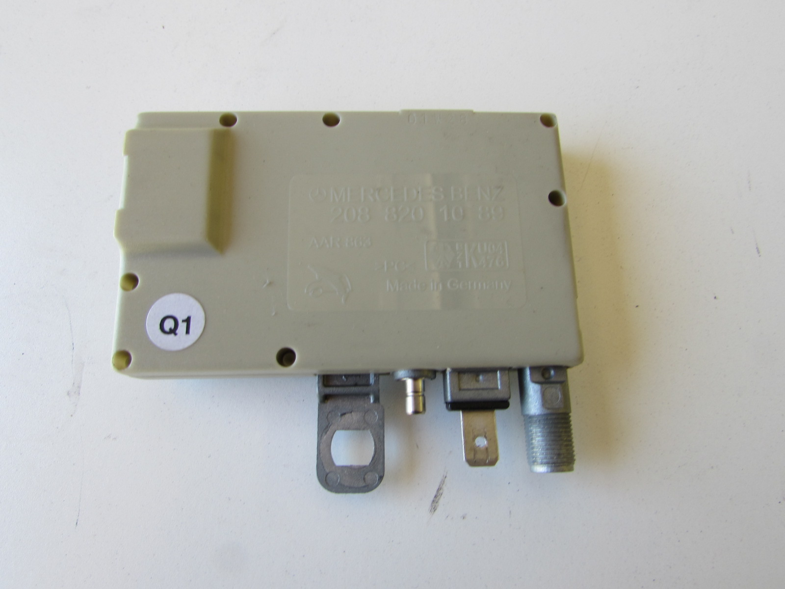 Mercedes Antenna Amplifier 2088201089 W208 CLK320 CLK430 CLK55 AMG