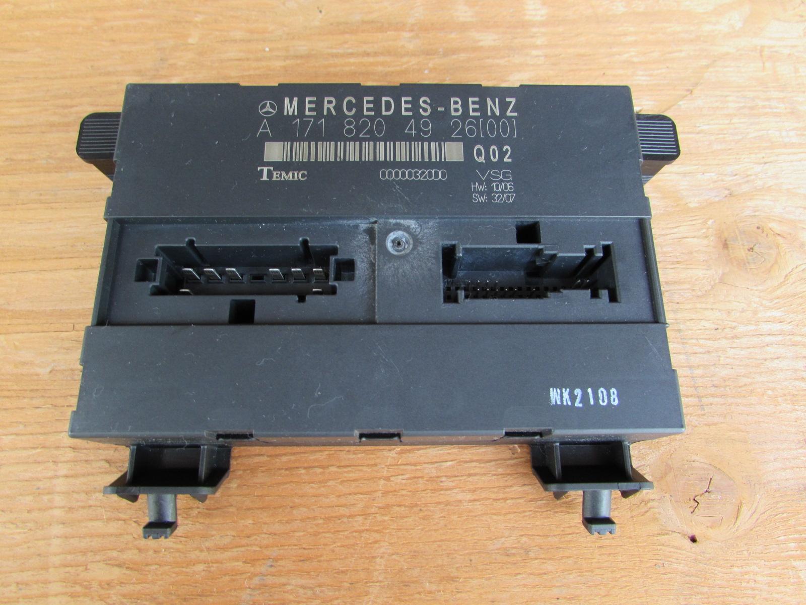 Mercedes R171 Vario Roof Control Unit Module Temic