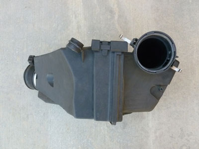 1997 BMW 528i E39 - Air Filter Housing Intake Box 137114366792