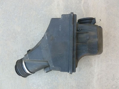 1997 BMW 528i E39 - Air Filter Housing Intake Box 137114366793