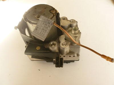 1997 BMW 528i E39 - Bosch ABS Brake Pump and Module (Hydro Unit ABS /ASC + T) 345110909103