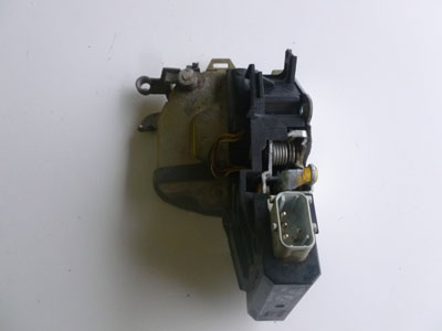 1997 BMW 528i E39 - Door Lock Latch Assembly w/ Actuator, Front Left 512182350972