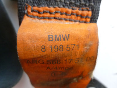 1997 BMW 528i E39 - Drivers Seat Belt 81985714