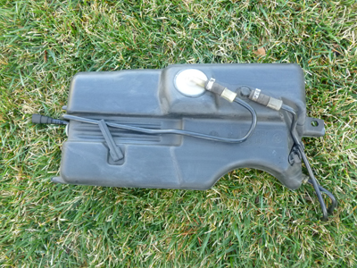 1997 BMW 528i E39 - Expansion Tank Activated Carbon Container 1181574-main