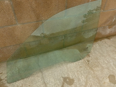 1997 BMW 528i E39 - Front Door Window Glass ,Left 51328159169