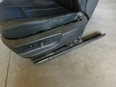 1997 BMW 528i E39 - Front Drivers Leather Seat5
