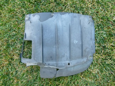 1997 BMW 528i E39 - Lower Engine Compartment Cover Fender Liner Mud Flap, Front Left 81594252