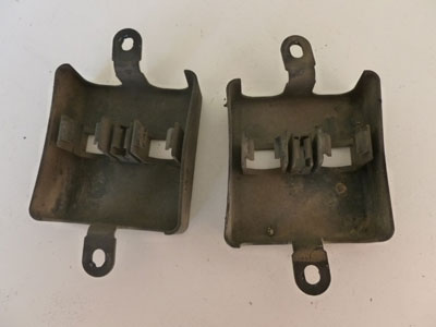1997 BMW 528i E39 - O2 Oxygen Sensor Connector Covers Brackets (Includes Pair) 17029652
