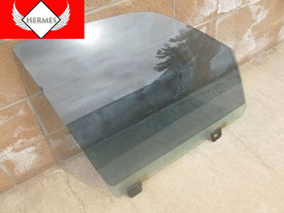 1998 Ford Expedition XLT -  Door Window Glass Front Right