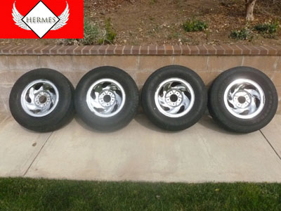 1998 Ford Expedition XLT - 16 Inch Chrome Rims with Tires Set of 4
