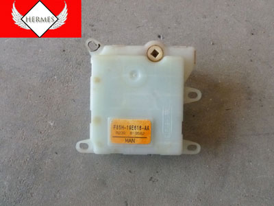 1998 Ford Expedition XLT - AC Heater Door Flap Actuator Module Front