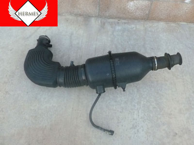 1998 Ford Expedition XLT - Air Intake Assembly with MAF Mass Air Flow Sensor