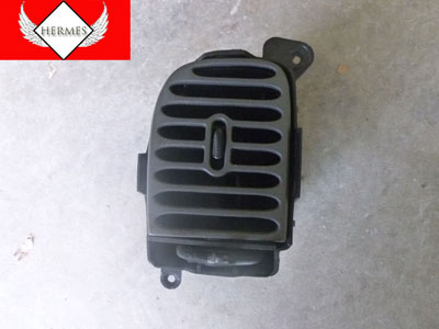 1998 Ford Expedition XLT - Dash Center Vent, Left