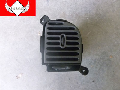 1998 Ford Expedition XLT - Dash Center Vent, Right