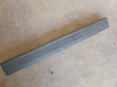 1998 Ford Expedition XLT - Door Entrance Trim Strip Rear
