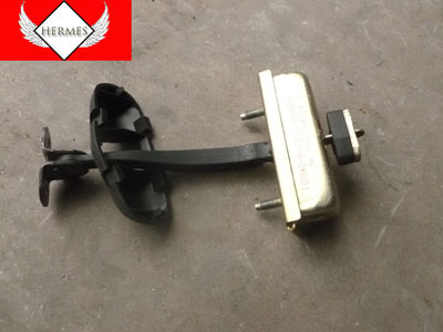 1998 Ford Expedition XLT - Door Hinge Catch Check Front Left