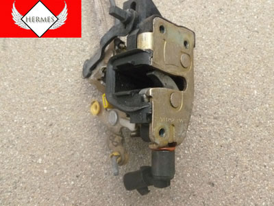 1998 Ford Expedition XLT - Door Latch, Rear Right