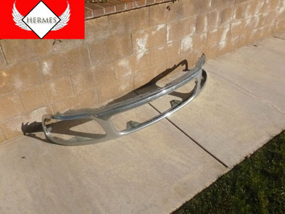 1998 Ford Expedition XLT - Front Grille Trim
