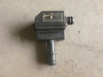 1998 Ford Expedition XLT - Intake Valve Black Box