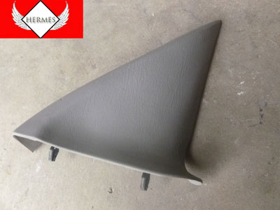 1998 Ford Expedition XLT - Interior Door Panel Mirror Trim Triangle, Front Right