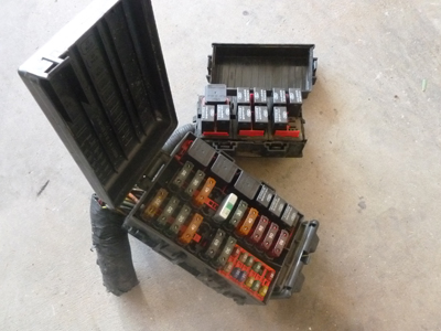 1998 Ford Expedition XLT - Power Distribution Box