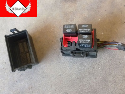 1998 Ford Expedition XLT - Relay Box 2