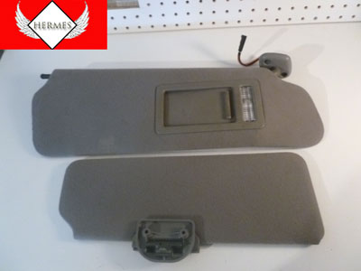 1998 Ford Expedition XLT - Sun Visors, Right