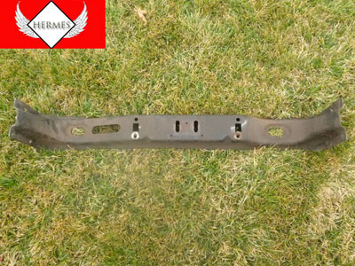 1998 Ford Expedition XLT - Transmission Rear Support Bracket Crossmember