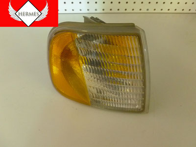 1998 Ford Expedition XLT - Turn Signal Corner Light, Front Right