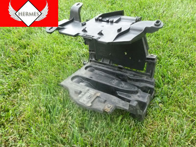 2000 Audi TT Mk1 / 8N - Battery Tray 8N8804373, 8N0971824, 8N0937557