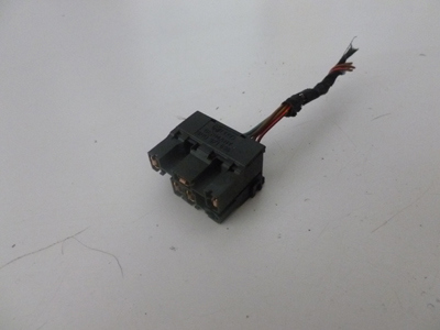 2000 Audi TT Mk1 / 8N - Door Lock Button Connector Plug w/ Wiring 8N0971636