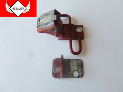 2000 Audi TT Mk1 / 8N - Lower Door Hinge, Left 8N0831411A
