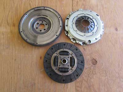 Audi TT MK1 8N Flywheel and Clutch W/ Pressure Plate Valeo 701815F0