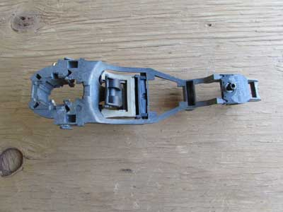 Audi TT MK1 8N Golf MK4 Door Handle Carrier Bracket, Right 6Q0837886