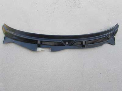 Audi TT MK1 8N Windshield Wiper Cowl Plastic Trim Panel Cover 8N1819415
