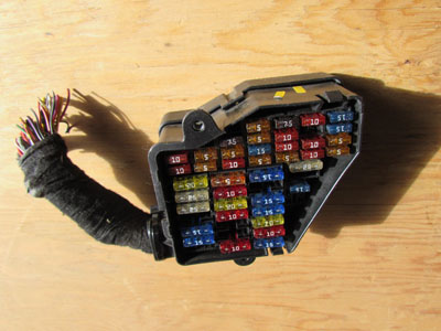 audi tt mk  dash fuse box  hermes auto parts