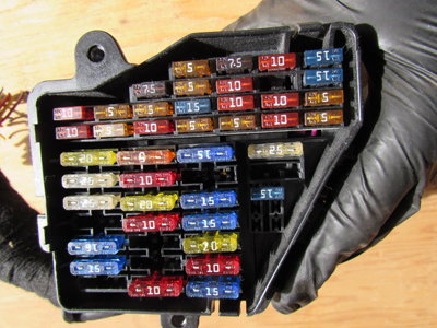 Audi TT Mk1 8N Dash Fuse Box 8D19418242 audi tt mk1 8n dash fuse box 8d1941824 hermes auto parts 2002 audi tt fuse box at gsmx.co