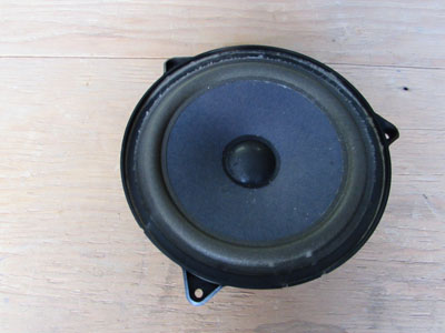 Audi TT Mk1 8N Door Speaker 4 Ohm, Right 4B0035411
