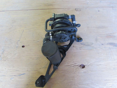 Audi TT Mk1 8N Fuel Leak Detection Pump 4D0906271