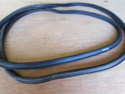 Audi TT Mk1 8N Hatch Trunk Seal Weather Stripping 8N7831707C