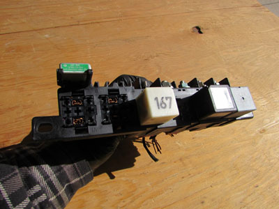 Audi TT Mk1 8N Relay Fuse Holder Box Under Dash 8L0941822