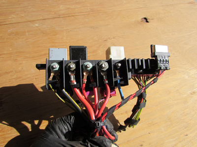 audi tt mk1 8n relay fuse holder box under dash 8l0941822. Black Bedroom Furniture Sets. Home Design Ideas