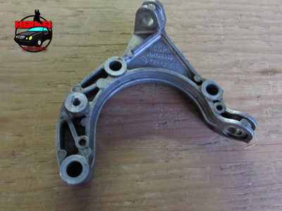 Audi TT Mk1 8N Transmission Carrier Support Bracket 02M409905