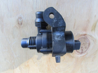 BMW Additional Water Pump 64116922699 E65 E66 745i 745Li 750i 750Li 760i 760Li