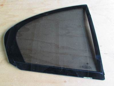 BMW Door Glass, Pilkington, Rear Right Vent Window 51358223814 E65 E66 745i 745Li 750i 750Li 760i 760Li
