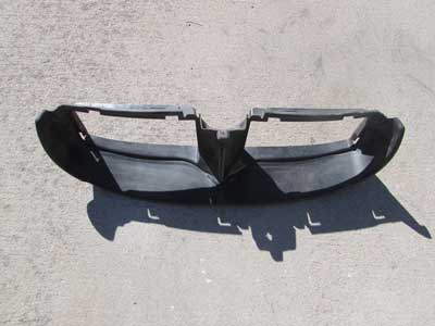 BMW Front Bumper Nose Panel Scoop Air Guidance 51117134099 E90 E91 323i 325i 328i 330i 335i Sedan Wagon