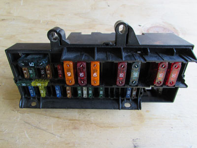 BMW Power Distribution Fuse Box 61136900582 E65 E66 745i 745Li 750i 750Li 760i 760Li